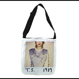 Taylor Swift 1989 Album Cover Tote Bag